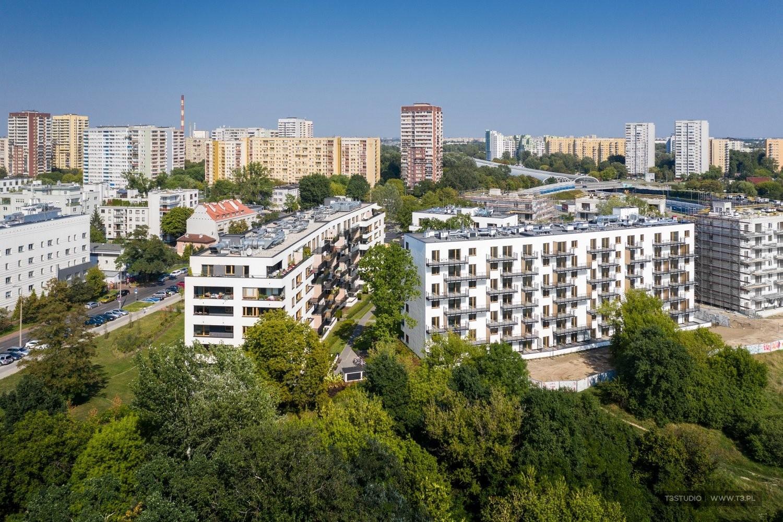 Zdjęcia warszawskiego Osiedla Mickiewicza wykonane dla spółki mieszkaniowej Skanska.